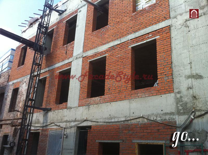 Капитальный ремонт фасада здания на Бакунинской